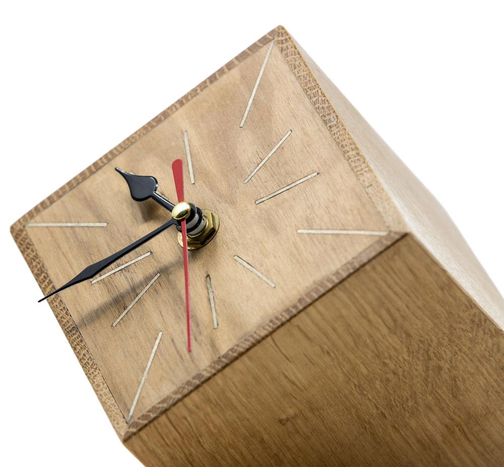 Orologio artigianale di design in legno